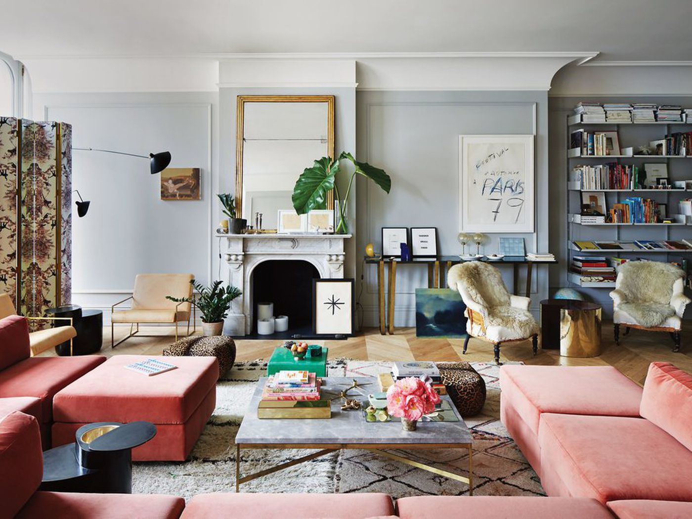 Picture of former J. Crew CEO Jenna Lyon's apartment living room